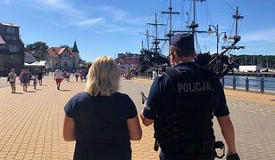 Mandaty za brak maseczki nad morzem. Policja zapowiada weekendowe kontrole