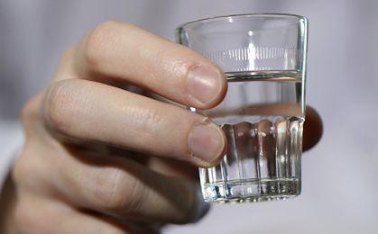 Polacy masowo rezygnują z wódki? Gigantyczny spadek produkcji