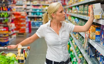 Ekonomiści: deflacja utrzyma się w Polsce co najmniej do połowy roku