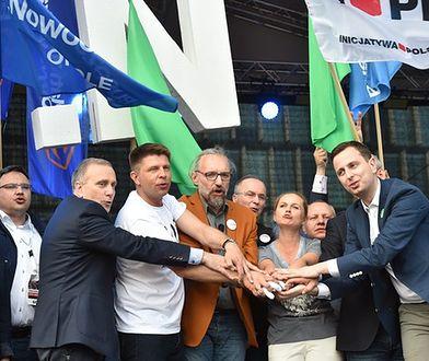 """Manifestacje 13 grudnia ostatnią szansą KOD? """"Odzyskają wigor albo się rozpadną"""""""