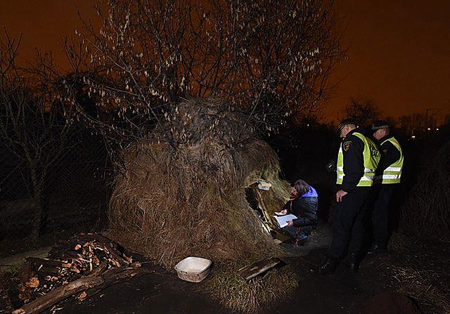 Nocne liczenie bezdomnych Polaków - zdjęcia