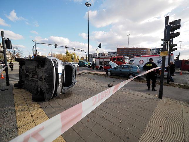 Łódź. Służby ratunkowe na miejscu wypadku