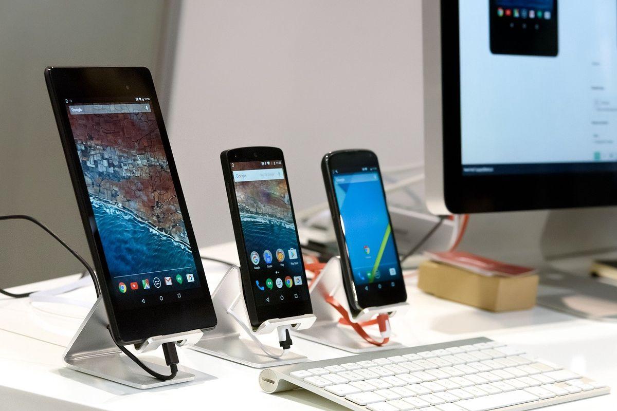 """""""Podatek"""" od smartfona. Wraca stary pomysł na wsparcie artystów"""