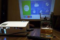 Alfawise A8 Smart Projector — dobry do wyświetlania, niekoniecznie użytkowania