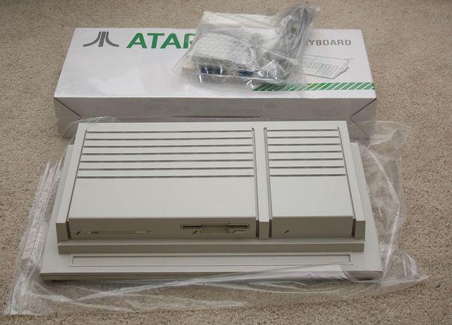 Atari TT. Nowa obudowa ułatwiała dostęp do wnętrza komputera choćnie wszystkim przypadła do gustu.