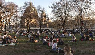 Wiosna w Europie. Tłumy ludzi ruszyły w miasto