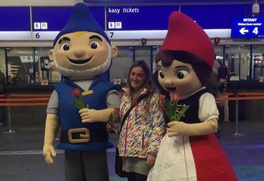 """Bohaterowie filmowego """"Gnomeo i Julia"""" powracają do kin! Odwiedzili polskich widzów"""