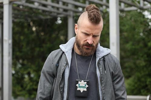 """Piotr Stramowski  - jako pitbull miłości  w komedii """"Narzeczony na niby""""! Zobacz wideo"""