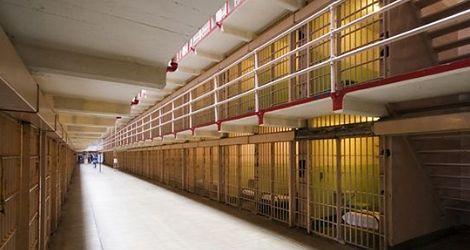 Krwawe więzienne mury