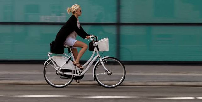 Co dzieje się w organizmie przez godzinę jazdy na rowerze?