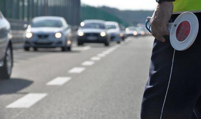 Strzały pod Łodzią. 27-latek staranował radiowóz