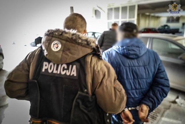 Oferowali zgwałconej kobiecie 200 tys. złotych za zmianę zeznań. Usłyszeli zarzuty
