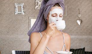 Maseczka do twarzy regeneruje i odżywia skórę