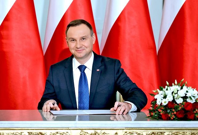 Andrzej Duda pozostaje faworytem w wyścigu o fotel prezydencki