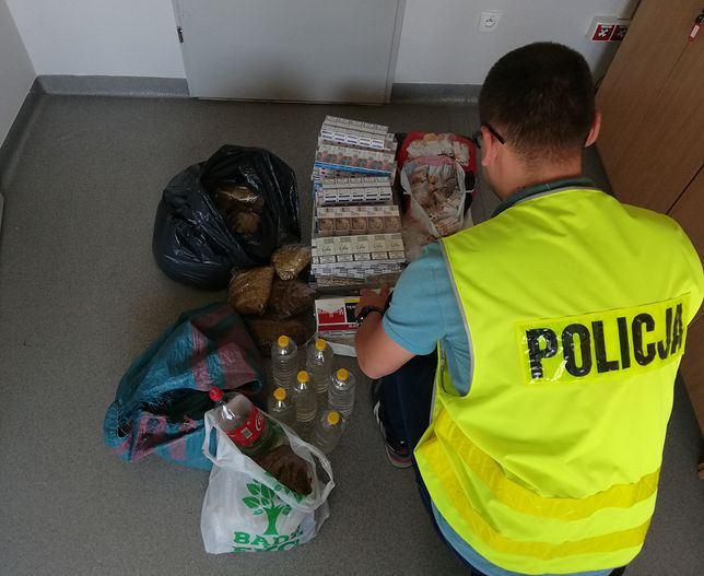 Piotrków Trybunalski: Policjanci przejęli kontrabandę. Straty na kilkanaście tysięcy złotych
