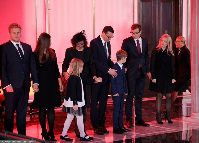 Kornel Morawiecki nie żyje. Trumna polityka w Sejmie, rodzina na uroczystościach