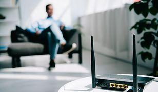 Sposób na słaby internet. Urządzenie, które poprawi zasięg sieci