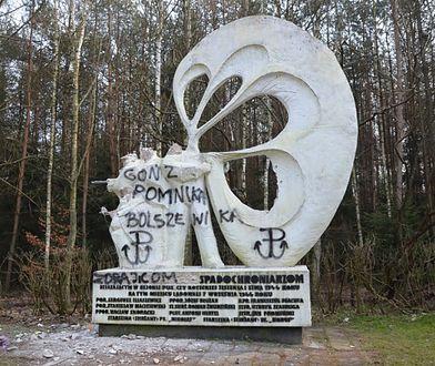 Sokołów: Uszkodzono pomnik polskich i radzieckich spadochroniarzy