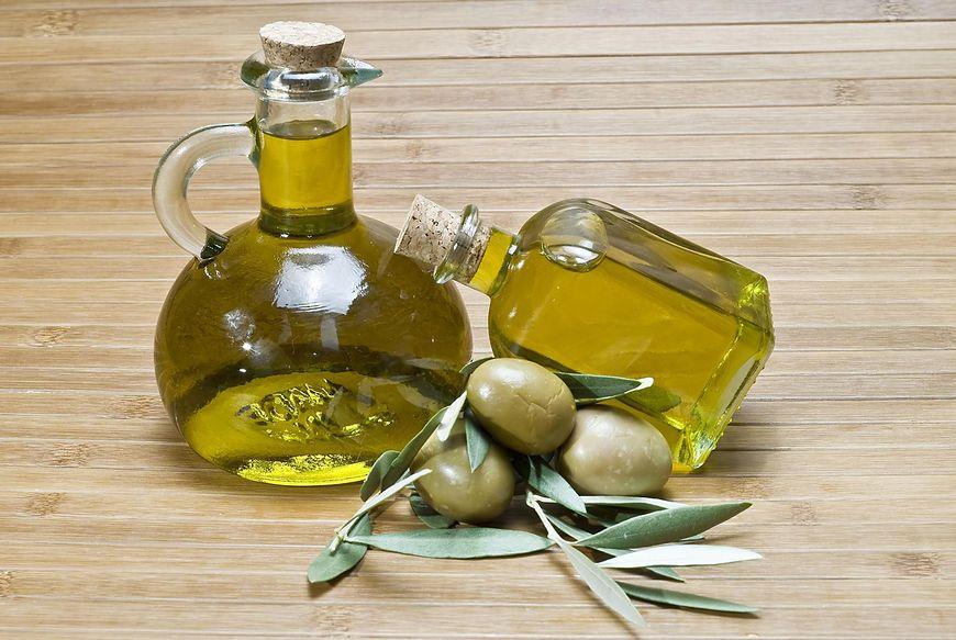 Oliwa z oliwek wspomaga skórę