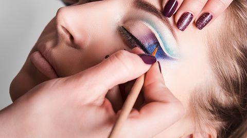 PortraitPro 15 poprawi modelce twarz i namaluje makijaż