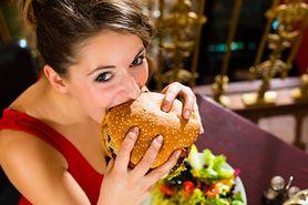 Fast foody mogą uszkodzić mózg i powodować depresję