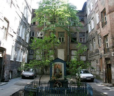 Budynek dawnej, przedwojennej fabryki Florange przy ul. Stalowej - jednej z ulubionych  ulic Pawła Elszteina