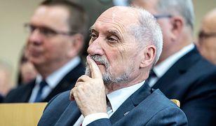 """Antoni Macierewicz oskarża Macieja Laska o kłamstwo. """"Spotkamy się w sądzie"""""""