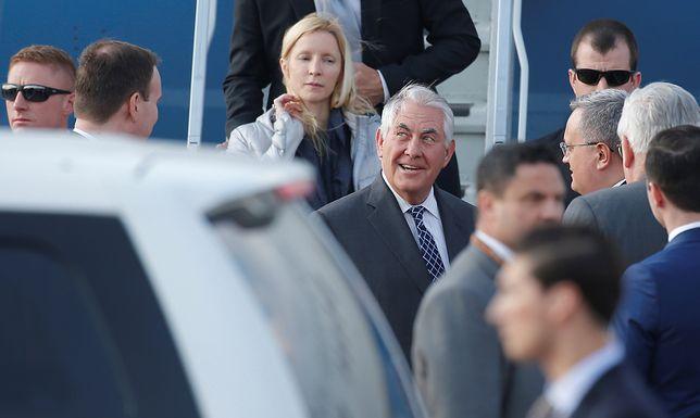 Wizyta Tillersona w Moskwie. O co toczy się gra?