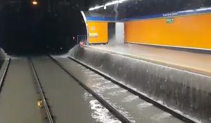 Madryt. Powódź błyskawiczna. Zalana stacja metra.