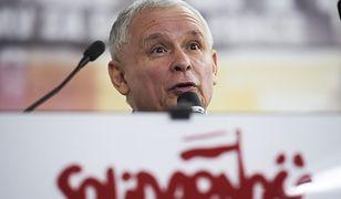 """Prezes PiS Jarosław Kaczyński podczas Konferencji  pod hasłem """"Lech Kaczyński - człowiek Solidarności""""."""