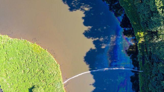 Wyciek paliwa w Rogowie zanieczyścił zbiornik wodny
