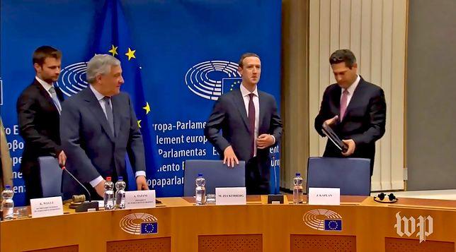 Mark Zuckerberg podczas rozmowy z przedstawicielami Parlamentu Europejskiego