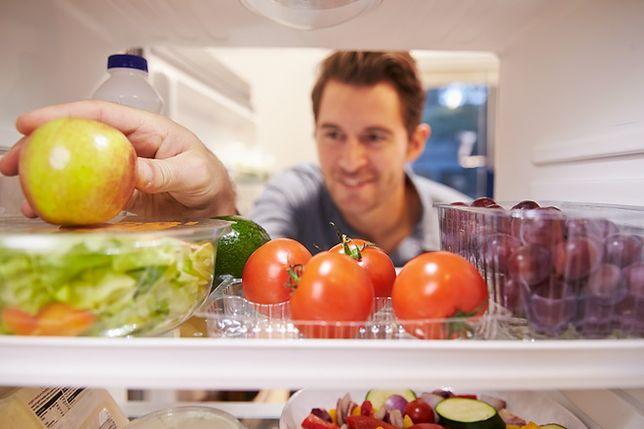 Jak ograniczyć koszt używania lodówki latem?