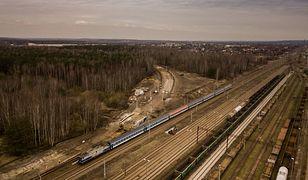 Śląskie. Coraz bliżej podróż koleją do lotniska w Pyrzowicach. Prace przyspieszają