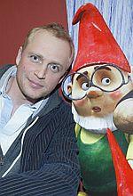[wideo] Czy Piotr Adamczyk zdetronizuje Eltona Johna?