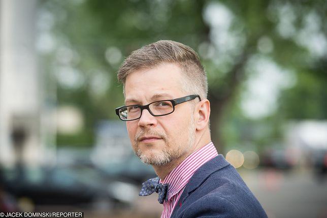 Jacek Dehnel opisał procedurę wyjścia w Kościoła na Facebooku