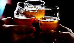 Jak pić piwo, żeby nie mieć kaca?