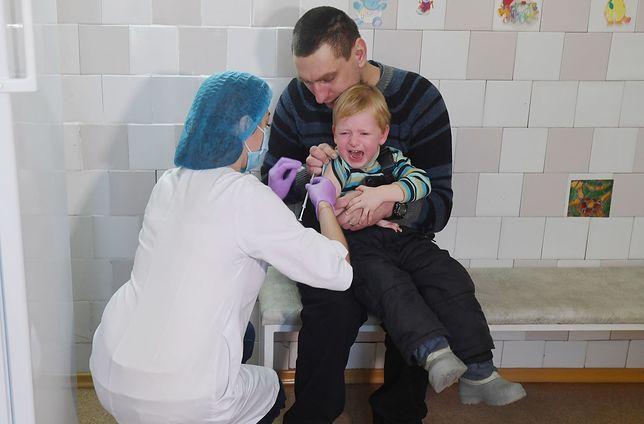 Szczepienie dziecka na odrę na Ukrainie