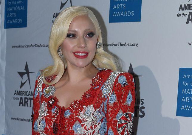 """Lady Gaga zaręczona ze swoim agentem! """"Próbują to utrzymać w tajemnicy"""""""