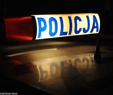 Śmiertelny wypadek na Trasie Siekierkowskiej. Kobieta uwięziona w zakleszczonym samochodzie