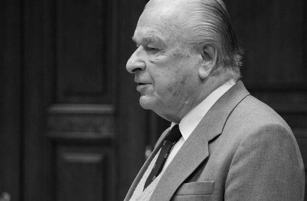 #dziejesienazywo Wdowa po generale Czesławie Kiszczaku z wizytą w IPN. Sławomir Neumann: sytuacja z jednej strony kabaretowa, z drugiej - ponura