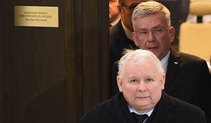 Prezes PiS Jarosław Kaczyński: zaczynamy posiedzenie na Sali Plenarnej Sejmu