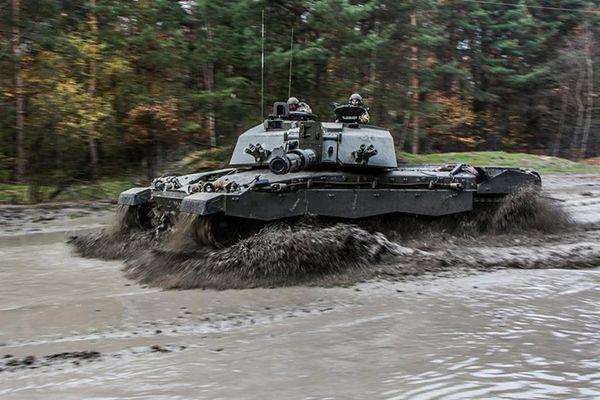 Brytyjski czołg Challenger 2 w czasie wspólnych ćwiczeń w Polsce