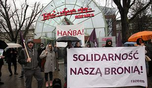 Pod siedzibą radiowej Trójki odbyła się pikieta w obronie zwolnionych dziennikarzy