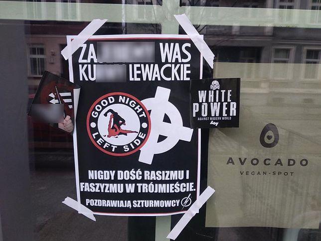 Wulgarne plakaty z groźbami, zniszczone elewacje. Atak na wegańskie restauracje w Gdańsku