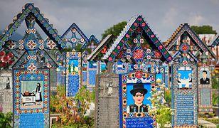 Wesoły Cmentarz to obowiązkowy punkt wizyty w rumuńskiej Sapancie