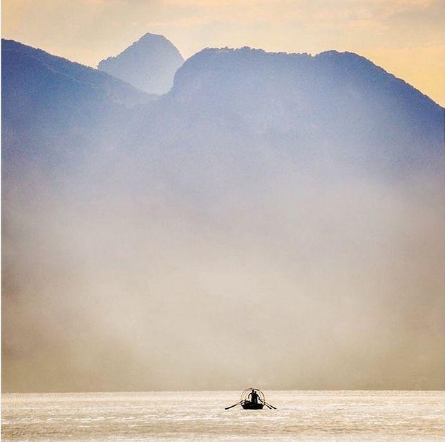 Jezioro Como w wieczornej mgle (Iwona Kołczańska)