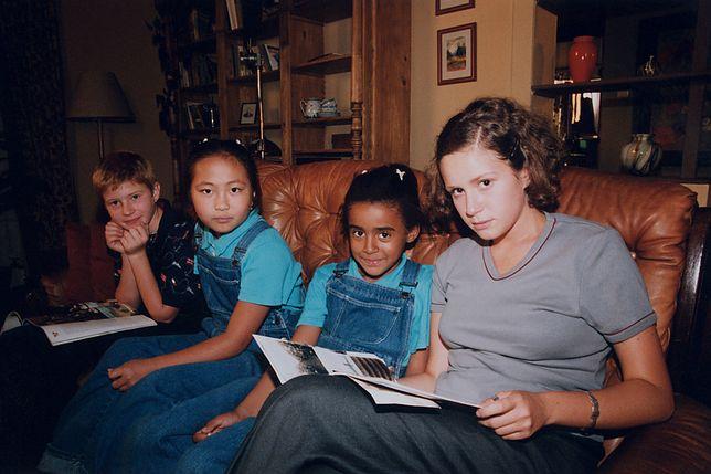 """""""Rodzina zastępcza"""" trafiła na ekrany telewizorów w 1999 roku"""