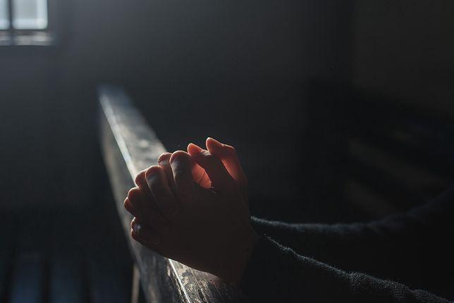 Pedofilia w Kościele. Dwie nastolatki miały być ofiarami księdza Piotra R.