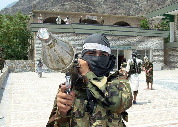 Talibscy bojownicy z Pakistanu